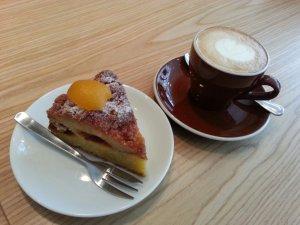 Apricot crumble & cappuccino