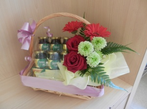 Was given this hamper for being a 'loyal customer' of Thomson Medical Centre :)