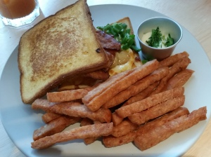 Grilled sandwich with spam fries